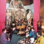 大仏様の前でお茶で小宴(平成5年)